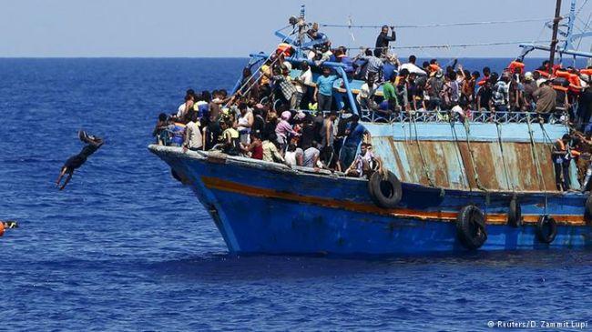 У побережья Ливии в результате столкновения двух судов погибли более 200 мигрантов