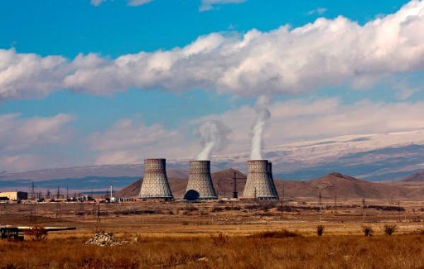 Пашинян вугрозе удара поАЭС разглядел «террористическую сущность» Баку