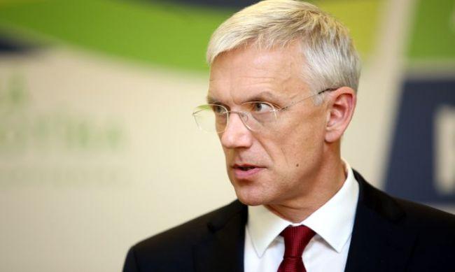 Премьер Латвии: Министрам нестоит шествовать вчесть легионеровСС