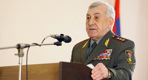 СМИ: РФ отменила розыск опального экс-министра обороны Армении Микаела Арутюняна