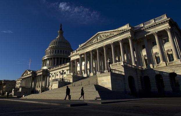 Сенат США одобрил крупнейшую за последние 30 лет налоговую реформу