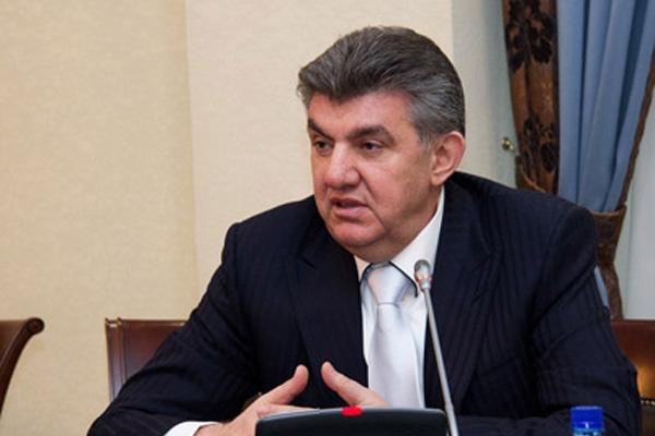 Ара Абрамян призывает консолидироваться вокруг нового премьера Армении Карена Карапетяна