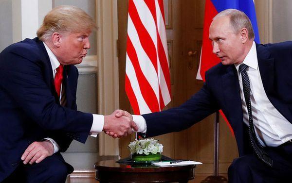 Белый дом отказался раскрывать детали переговоров Трампа с Путиным