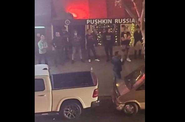 В США русские отстояли от разгрома свой ресторан
