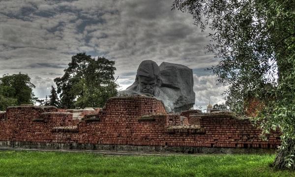 «Умираю, но не сдаюсь» — рассекречены документы о защите Брестской крепости