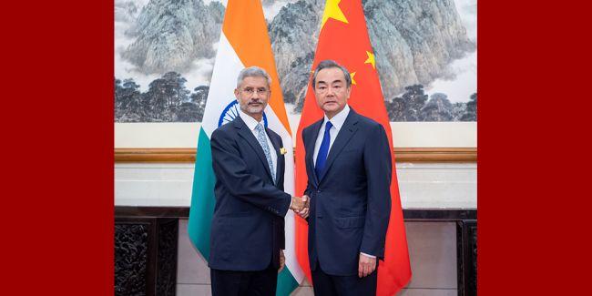 Китай иИндия договорились избегать эскалации напряженности награнице