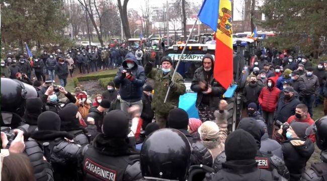 Молдавские фермеры на протесте заговорили словами Санду